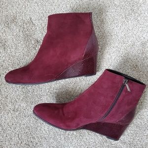Aquatalia maroon suede wedge ankle boot